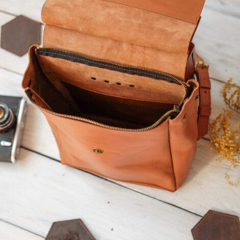 рюкзак в форме домика