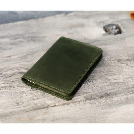 зеленая кожаная обложка