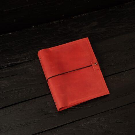 женский красный блокнот